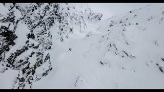 """The first one going down has two ice axes"" Skiing the couloir at Sultindan - 4mån sedan"